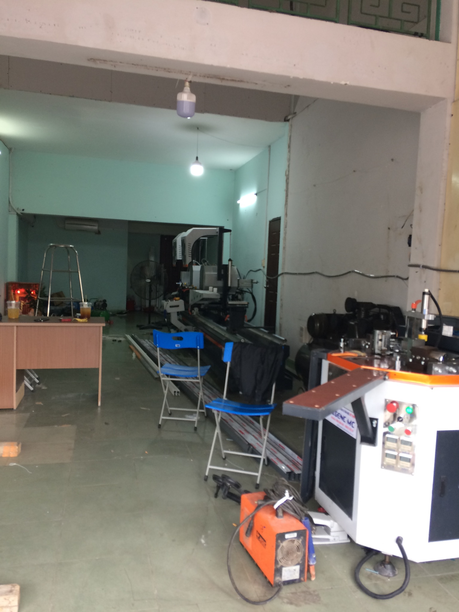 Máy sản xuất cửa nhôm Xingfa tại quận 6